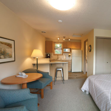 Spacious rooms at Brooklyn Center Suites